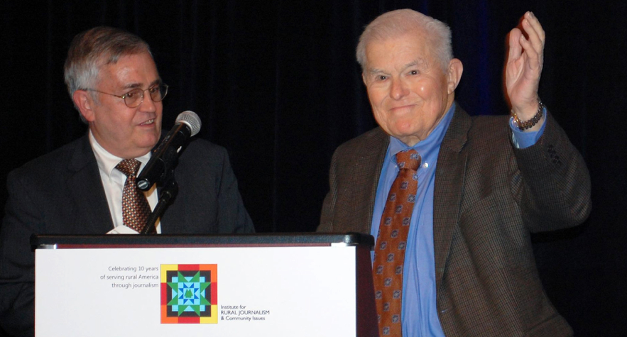 nstitute Director Al Cross and co-founder Al Smith at the institute's 10th Anniversary and Awards Dinner in 2014. Smith, a former newspaper publisher and broadcaster is chair emeritus of the institute's national Advisory Board, headed by Lois Mateus.